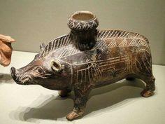 Etruscan terracotta boar.C.700BC