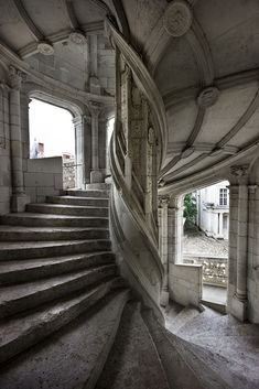 Chateau de Blois, Gothic stair