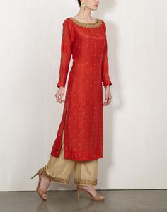 Red Bandhini Kurta With Embroidered Pants-Lajjoo C- img4