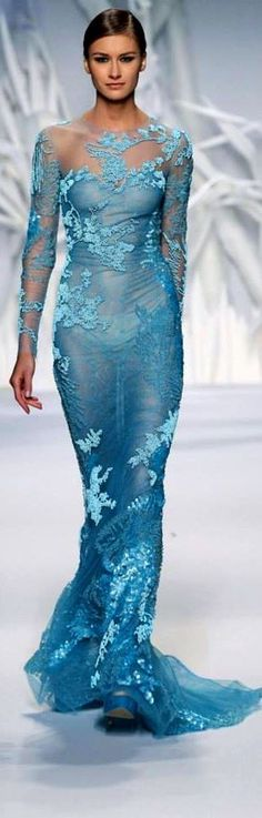 reminds me so much of Elsa's dress