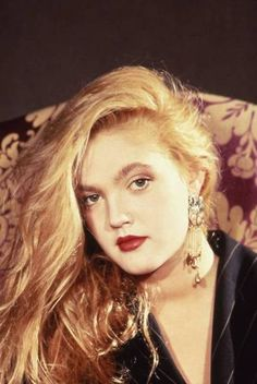 drew barrymore from a photo shoot in 1991 The Drewseum for more Drew Barrymore photos! Drew Barrymore 90s, Crazy Eyebrows, Whatever Forever, Olay Regenerist, Beauty Shots, Beautiful Celebrities, Nasty Gal, 90s Fashion, Makeup Looks