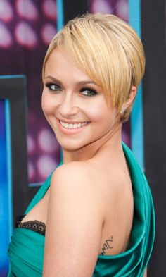 Hayden Panettiere Swaps Her Waist-Length Hair For A Face-Flattering Hairstyle, 2010