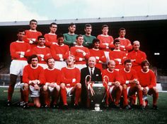 Manchester United 1968 Football Team with European Cup Photographic Print - AllPosters.co.uk