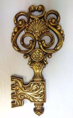 Vintage Syroco Giant Gold Key Wall Ornament by MISTERSANDBAGS