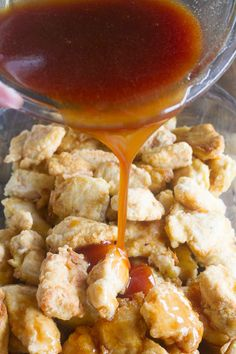Skip the take out - this Sweet and Sour Chicken Recipe is so good that you'll put it on the permanent rotation. Chicken is coated in a sweet and sticky sauce and baked to perfection. Chinese Chicken Recipes, Mexican Food Recipes, Asian Recipes, Ethnic Recipes, I Love Food, A Food, Food And Drink, Sweet N Sour Chicken, Chicken Chick