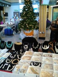 Fashion Jewellery of all types. From Bag Charms, Hoop earrings to stunning Statement Necklaces. Beautiful Christmas Gifts on Juliette's Stall
