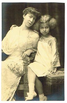 Queen Elisabeth of Belgium and Princess Marie José