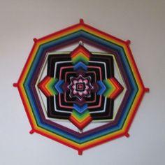 Mandala em fios - Arco-íris - 60cm