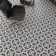 Klinker Harrow Grafito er en moderne, sort og hvid flise med grafisk mønster, fra spanske Vives. Kan bruges til gulve og vægge, indendørs. Er skridtsikker.