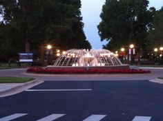 Spectacular fountains and flowers at High Point University, North Carolina 2014!