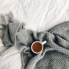 Love this cosy moss stitch throw #knitting