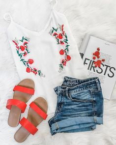 Lc lauren conrad red slide sandals, 10 preppy of july outfit ideas for women Boys Summer Outfits, 4th Of July Outfits, Preppy Outfits, Preppy Style, Simple Outfits, Preppy Fashion, Summer Clothes, Red Block Heel Sandals, Red Block Heels