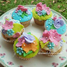 #garden #cupcakes #fondant