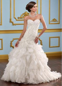 GRACEFUL ORGANZA BALL GOWN SWEETHEART NECKLINE WEDDING DRESS WITH BEADED LACE APPLIQUES FORMAL PROM EVENING