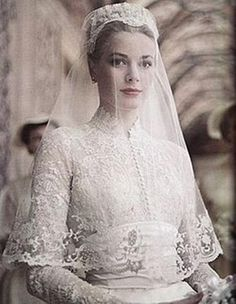 Grace Kelly Wedding Dress  Sheila Peacock via Graciela Contreras VonBunny