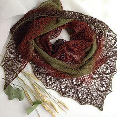 Crochet Shawls Ravelry: Sofia Shawl pattern by Lyubov Shalnaya - Crochet Patterns Free Women, Crochet Edging Patterns, Shawl Patterns, Knitting Patterns Free, Baby Patterns, Crochet Ideas, Flower Patterns, Crochet Stitches, Free Pattern