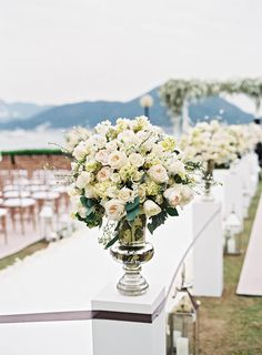 #Ceremony floral perfection | Photography: stevesteinhardt.com | Planning: www.theweddingco.hk | Design: www.ellermanndesign.com