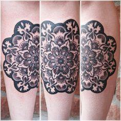 Adoro i Mandala   Questo è il mio mandala, fatto sul mio stinco di Austin West Tattoo Divinità a Phoenix, AZ.