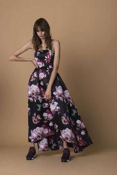 Abito con fiori Pinko - Long dress a fascia nero con fiori rosa della  collezione Pinko autunno inverno 2015-2016 db41e68c993
