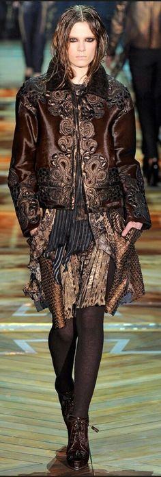 ROBERTO CAVALLI FALL 2011 READY-TO-WEAR Roberto Cavalli, Ready To Wear, Bohemian, Brown, How To Wear, Colour, Animal, Collection, Fall
