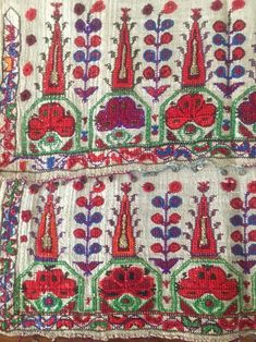 19th ANTIQUE OTTOMAN-TURKISH SILK HAND EMBROIDERY ON LINEN N6