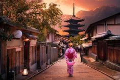 27 Breathtaking Photos That Celebrate Japan's Diverse Streets & Architecture | BlazePress