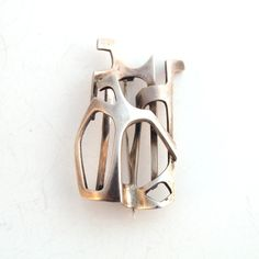 Tone Vigeland, Modernist jewelry,a leading artist in her native Norway for almost forty years.