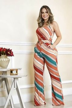 Discover the best summer outfit ideas from latest apparel trends. Dress Attire, Jumpsuit Outfit, Beige Outfit, Cool Summer Outfits, Cool Outfits, Black Mini Skirt Outfit, Fashion Pants, Fashion Outfits, Leotard Fashion