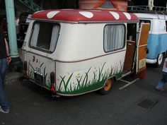 I want to start a tiny sit down restaurant in a trailer that looks like this!