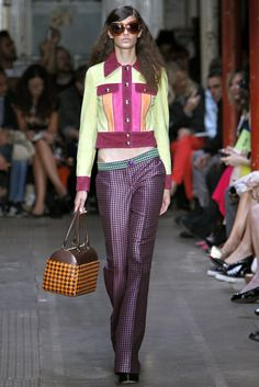 Moschino Cheap And Chic Spring 2013 Ready-to-Wear Fashion Show - Emilia Nawarecka