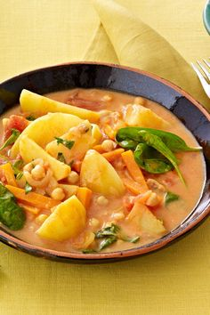 Potato and spinach pot – # stew # potatoes # spinach # goulash # curry Clean Eating Diet, Clean Eating Recipes, New Recipes For Dinner, Beef Recipes, Healthy Recipes, Lunch Meal Prep, Easy Meals, Cauliflower Chowder, Roasted Cauliflower