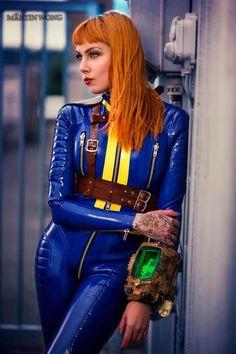Psylocke   Vault Girl   latex cosplay