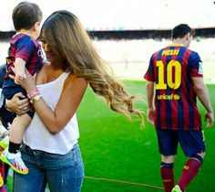 Messi 2015, Antonella Roccuzzo, Messi Soccer, Lionel Messi, Plein Air, Sports Illustrated, Fc Barcelona, Neymar, Football Players