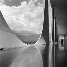 The Alvorada Palace, the presidential residence in Brasilia. Photo: Marcel Gautherot/IMS Collection © Instituto Moreira Salles