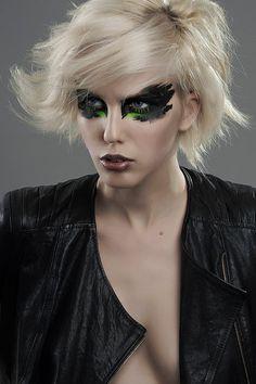 präsentiert von www.my-hair-and-me.de #women #hair #haare #blonde #blond #schwarz #black #makeup