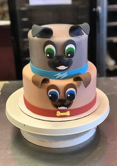 A cool Puppy Dog Pals cake featuring Bingo and Rolly! Puppy Birthday Parties, Puppy Party, Dog Birthday, Birthday Cake, Birthday Ideas, Baby Boy Cakes, Cakes For Boys, Bingo Cake, Puppy Dog Cakes
