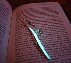 Marcadores de página que brilham no escuro