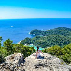 Chorvatsko je oblíbenou dovolenkovu destinací, která je ale v poslední době plná turistů. Pokud se jim chcete vyhnout, navštivte tato místa!