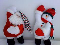 Santa and a snowman Snowman Crafts, Felt Crafts, Christmas Crafts, Christmas Decorations, Holiday Decor, Noel Christmas, Christmas Humor, Christmas Stockings, Ideias Diy