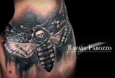 Totenkopfschwärmer Tattoo by Rafael Fabozzo Eagle Tattoos, Tattoo Sketches, Color Tattoo, Skull, Colors, Colorful Tattoos, Flowers, Color Tattoos, Design Tattoos