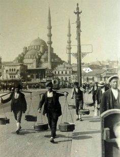 Galata Köprüsünde yoğurtçular