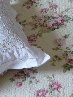 couvre lit boutis fleuri de roses modèle Alice 230/250 cm