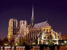 - Notre-Dame de Paris
