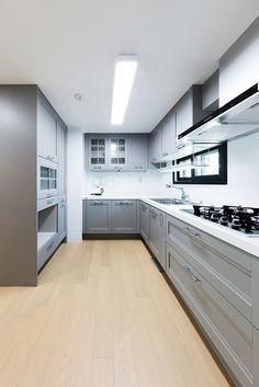 한샘리하우스 : 토탈 홈인테리어 리모델링의 모든 것 Interior Design Living Room, Living Room Decor, Bedroom Decor, Kitchen Decor, Kitchen Design, Scandinavian Home, Interior Lighting, Kitchen Cabinets, Kitchenettes