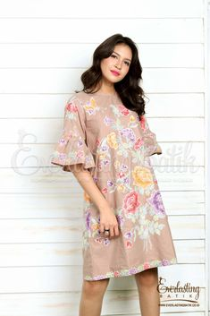 Fabric :Batik Stamp encim Pekalongancombination :Lining : errowCloth Size : EB sizeBust/Chest :S 84 / M 88cm / L 92cm / XL 96cm/ XXL100cm/ XXXL 104cmSleeve Length: 37cmLength from Shoulder: 97 cm--------NB : Model height 174 cm wearing size SPlease keep in mind that the color shown might be slightly different due to lighting or different monitor settings.