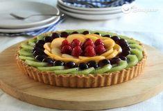 Cream pie and fresh fruits - Celine's Recipes Sweets Recipes, Cake Recipes, Fresh Fruit Tart, Flan Cake, Homemade Pie, Mini Pies, Cream Pie, Sweet Cakes, Health Desserts