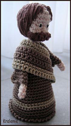 2013_01_01_Crocheted Christmas Creche Figures 3B.jpg