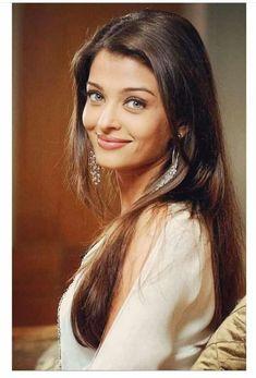 Aishwarya Rai Young, Aishwarya Rai Pictures, Actress Aishwarya Rai, Aishwarya Rai Bachchan, Hindus, Bollywood Actors, Beauty Queens, Beautiful Eyes, Beautiful Actresses