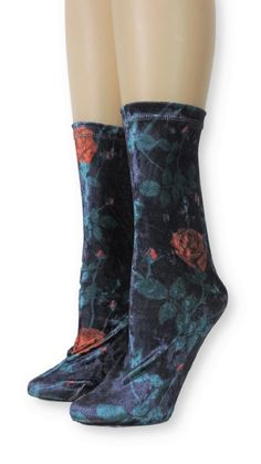 Red Rose Crushed Velvet Socks is one of the comfortable socks to express your self unique and modern. Make a statement with these luxe velvet crew socks Product Details: Quality Velvet Polyester, Spandex Super Comfy and Absorbent Size US EU Item code Velvet Socks, Crushed Velvet, Crew Socks, Red Roses, Crushes, Comfy, Boots, Unique, Spandex