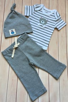 Baby bodysuit and pants/ Organic Cotton Newborn Baby Set/ Baby boy shower gift/ Grey stripe snap shirt/Coming home outfit/Bear applique by JollyBundles on Etsy
